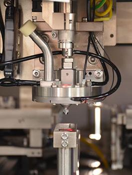 手持激光焊接机_手持式摆动焊接头_手持激光焊接机厂家